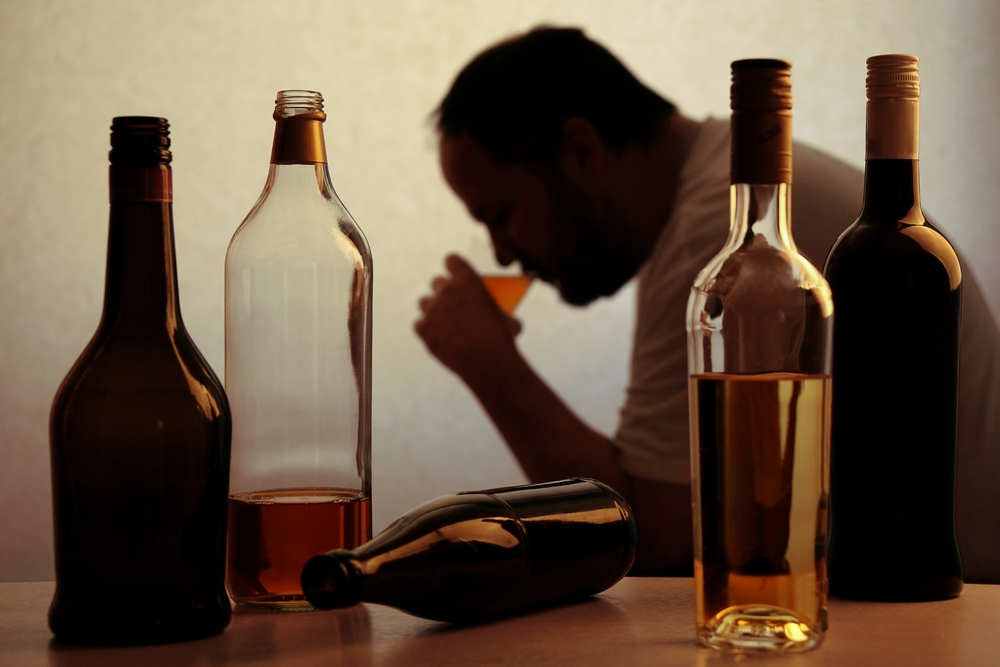 Alcoholism Treatment: The Signs of Alcohol Withdrawal | Moonlight Mountain Recovery